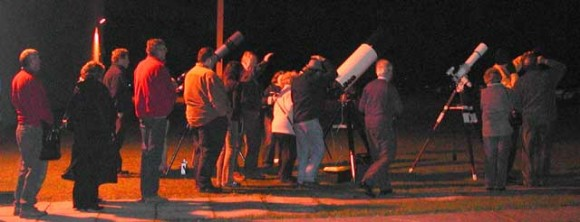 Crowds queue to view Mars at Wroughton, in the UK