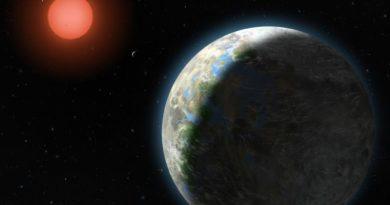 Artist's impression of new planet Gliese 581g