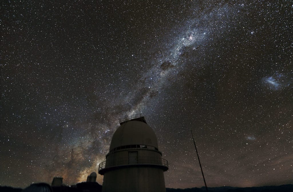 The Milky Way above the dome of the Danish 1.54-metre telescope at La Silla