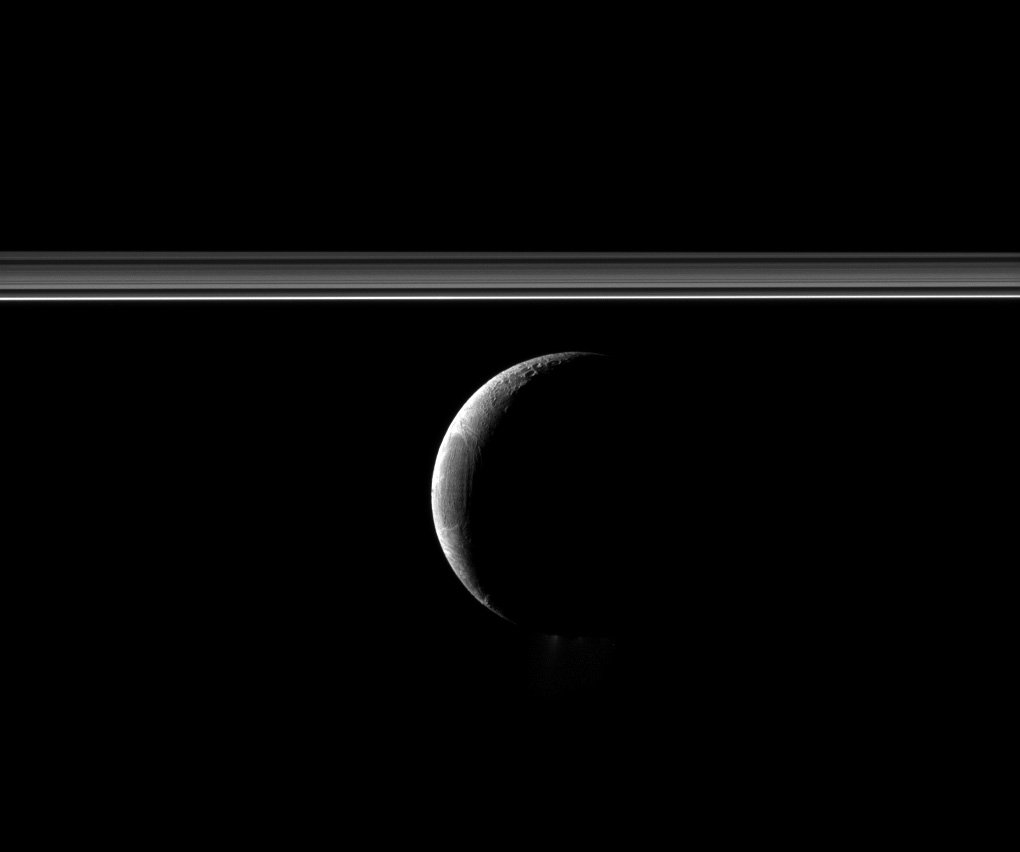 Cassini's stunning new image of Enceladus and Saturn's rings