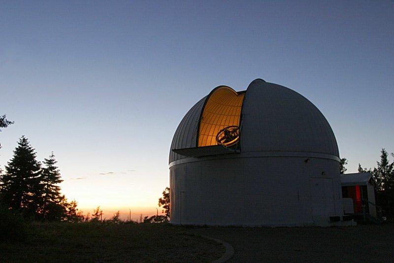 60-in telescope on Mt Lemmon